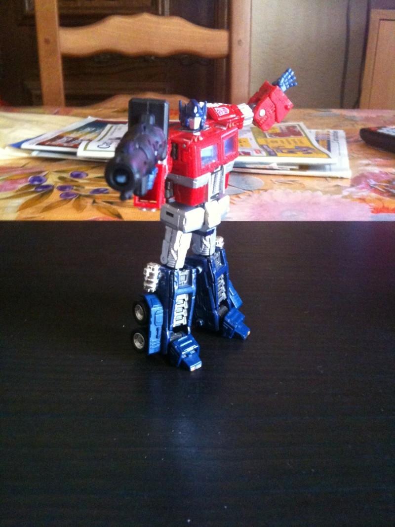 Vos montages photos Transformers ― Vos Batailles/Guerres | Humoristiques | Vos modes Stealth Force | etc - Page 3 Img_1010