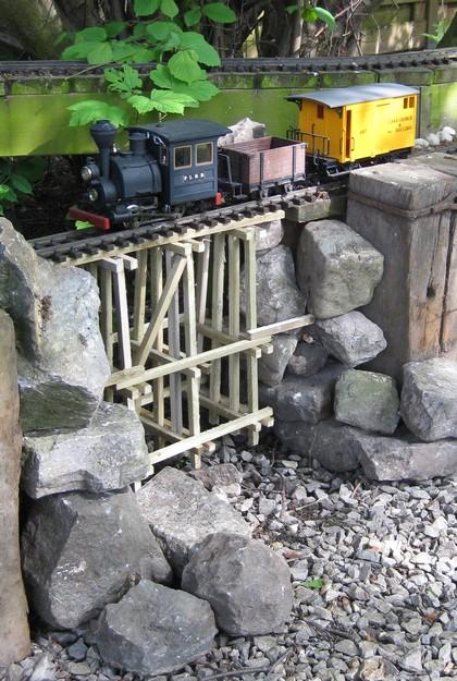 les Pelican Rail Road .. train de jardin en G Trestl11