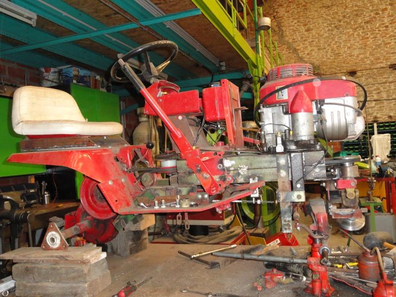 Un tracteur tondeuse de bric et de broc !! 2012_013