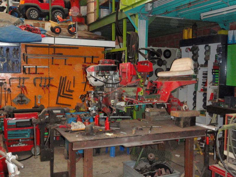 Un tracteur tondeuse de bric et de broc !! 2012_016