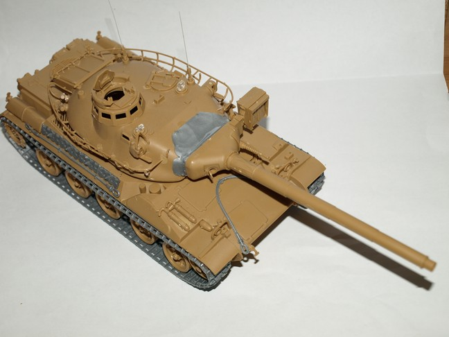 Après le petit au 1/72 le grand au 1/35 (AMX 30B Heller 1/35) 00410