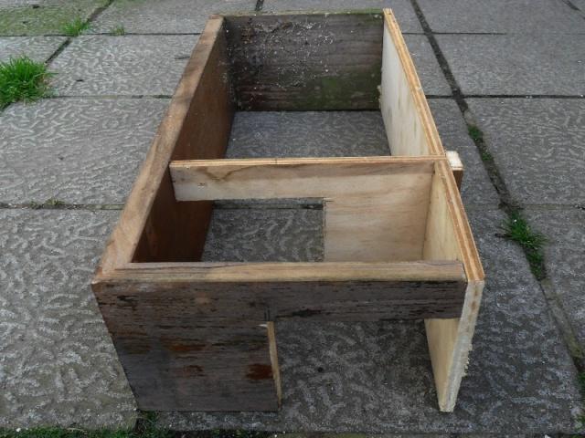 Fabrication d'une boite avec piège x destinée a la régulation d'une fouine Boite_12