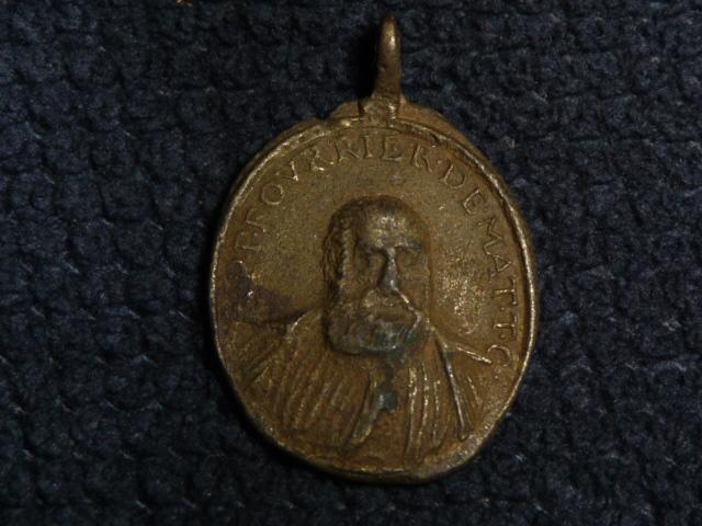 Médaille St-Pierre Fourier de Mattaincourt & Vierge XVIIIèm P1090815