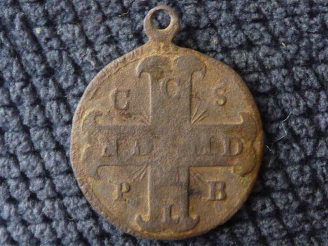 Médaille de St-Benoît P1090826
