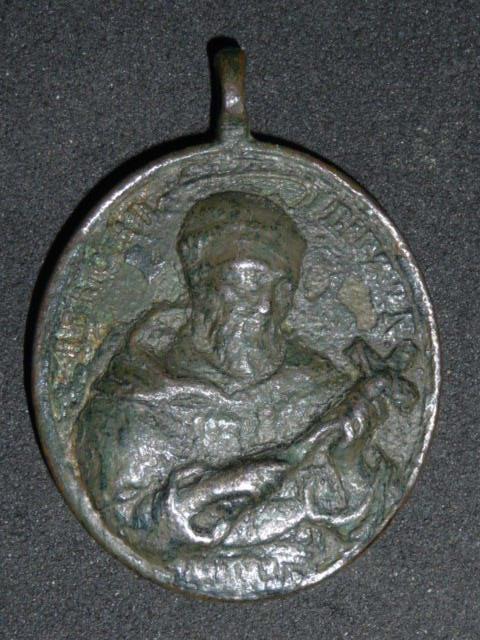 Belle médaille St-Bernard & St-Benoît - XVIIIème  P1110710