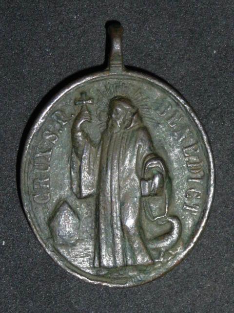 Belle médaille St-Bernard & St-Benoît - XVIIIème  P1110711