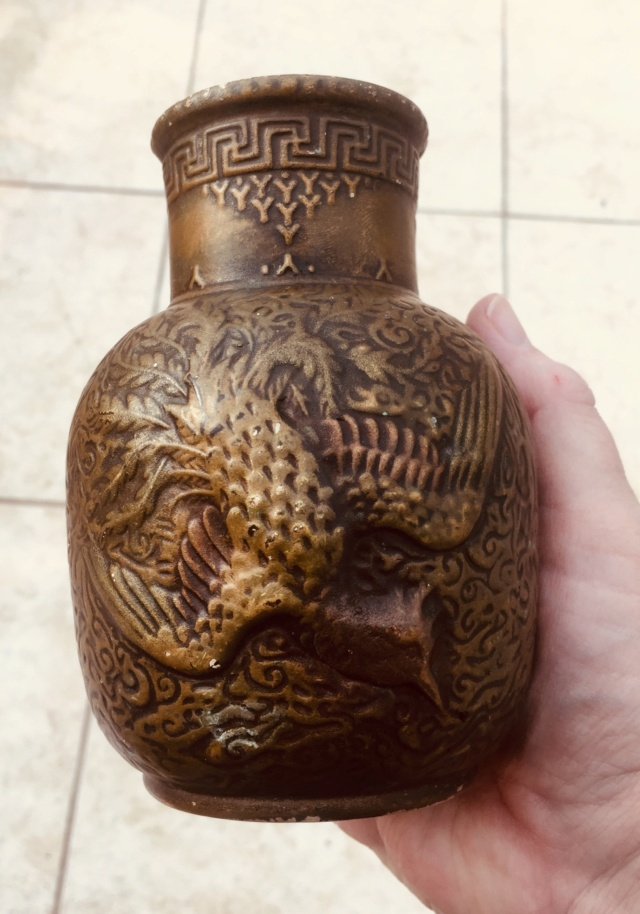 Vase, No.7 Dragon England - probably Bretby  2534e810