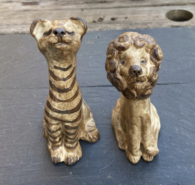 Mystery Lion and Tiger, VV mark?  2a04bd10