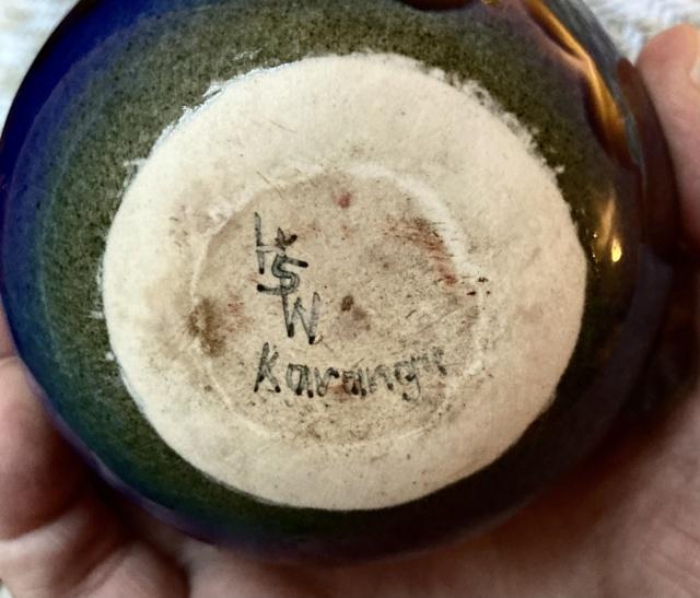 Howard Williams, Karanga Pottery, New Zealand, HSW mark 3e853b10