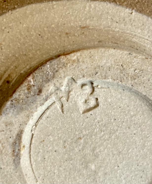 Mixed clay bowl. Mystery MB mark - Michael Bayley?  63a43b10