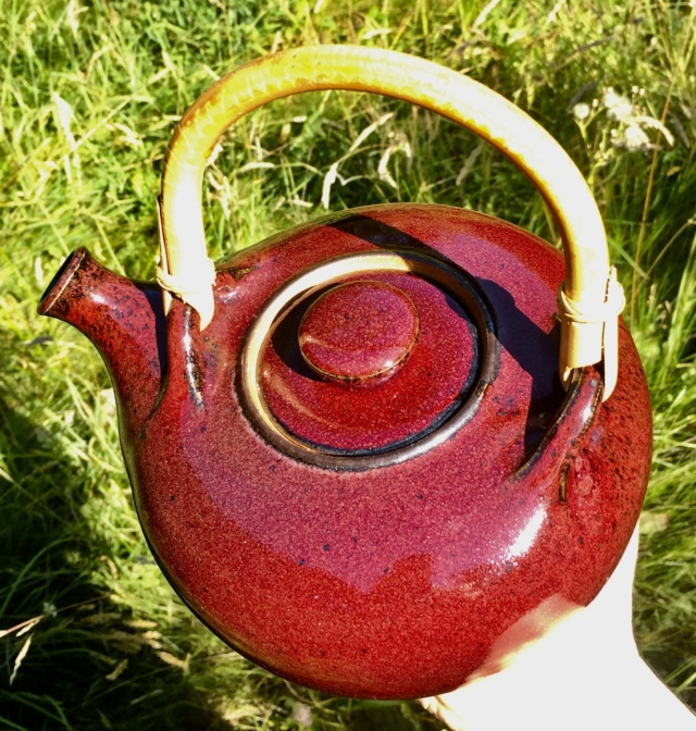 Mystery red teapot 7148ba10
