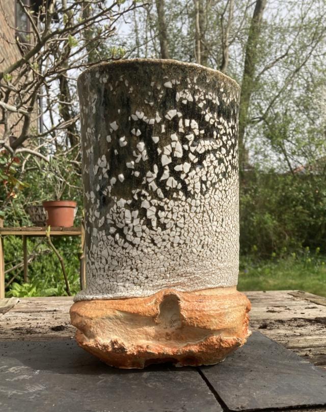 Large vase with finger marks  75984210