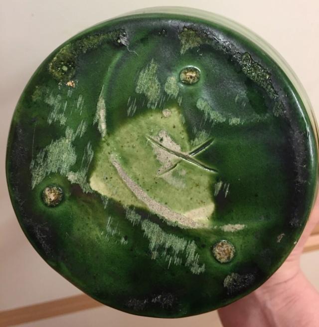 Green glazed pots - Belgium Art Pottery (not Farnham) - Page 3 7a7cd110