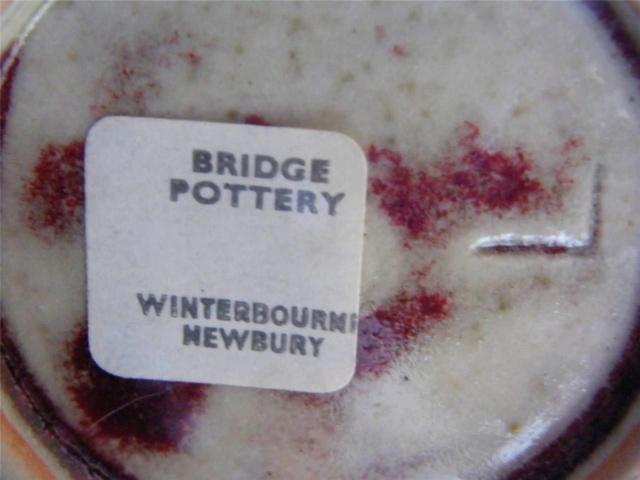 Milena & Isaac Batley, Bridge Pottery, Winterbourne, Newbury - acorn mark Auctiv10