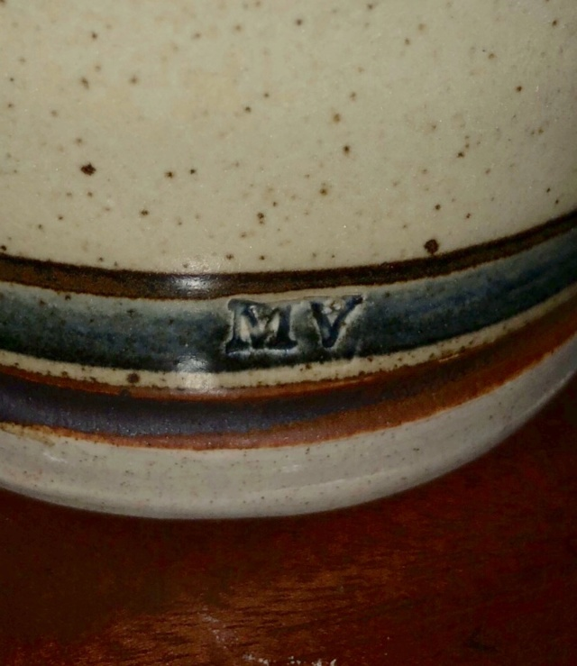 ID help needed on studio pottery vase, MV mark  F5bc9b10