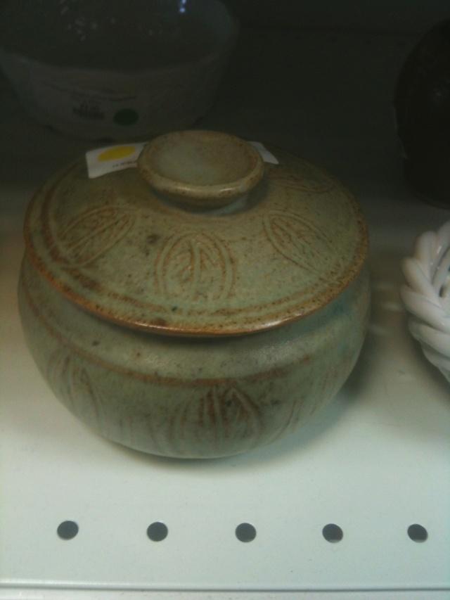 Lidded pot, Mystery MS mark  Img_0814