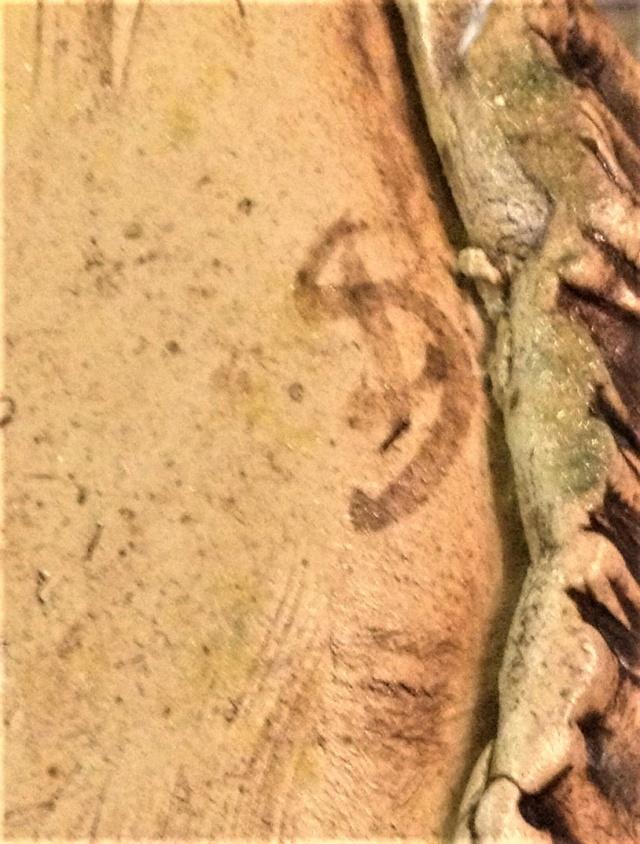 Mystery pleated textured vase, SB mark Img_1812