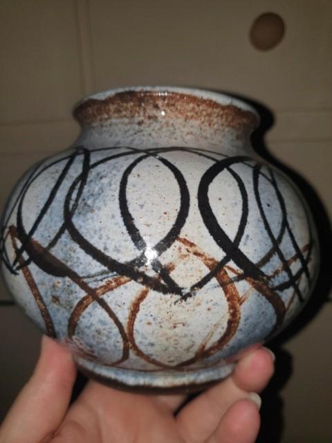 Crudely Painted Vase JM mark? X? Jmmark10