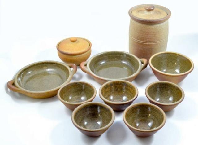 stoneware dish. Muchel10
