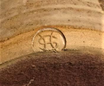 Horse vase - Laugharne Pottery?  Shelfh10