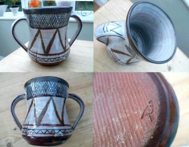 sgraffito pot, LJ mark and Star Trek mark - see John Solly  Twin_h10