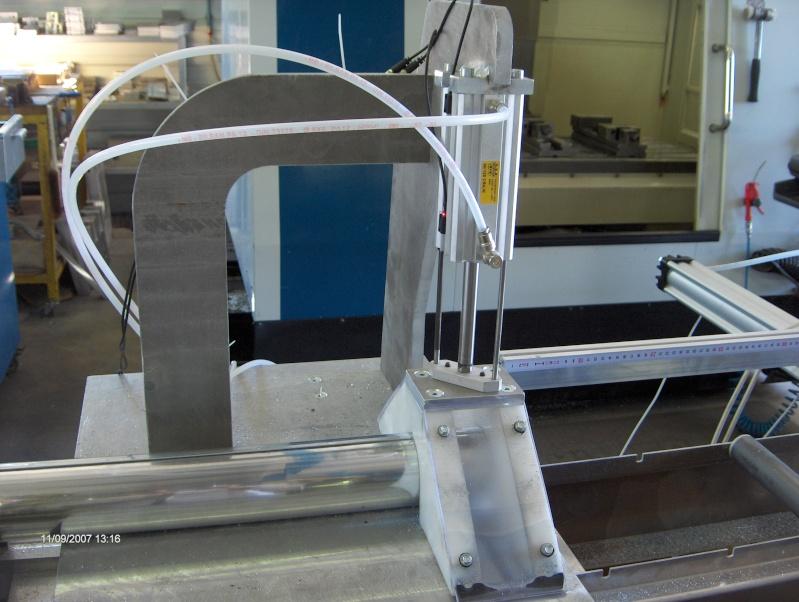 une machine à faire des tuyaux de descente pluviale Hpim2910