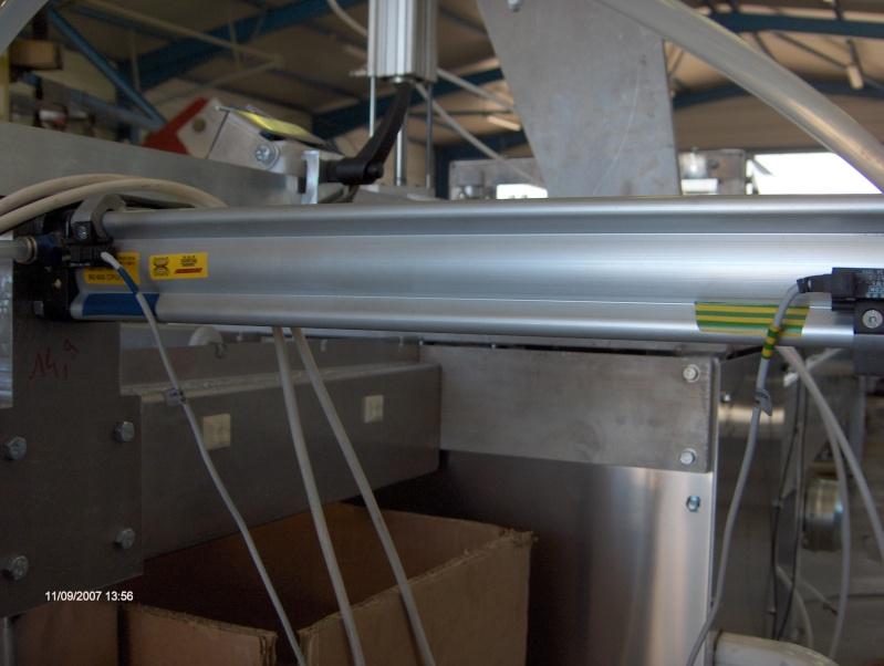 une machine à faire des tuyaux de descente pluviale Hpim2913