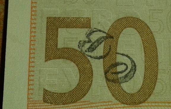 un truc bizarre sur mon billet de 50 euro 50_eur10