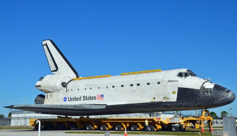 Les navettes spatiales Atlantis et Endeavour au musée 20410