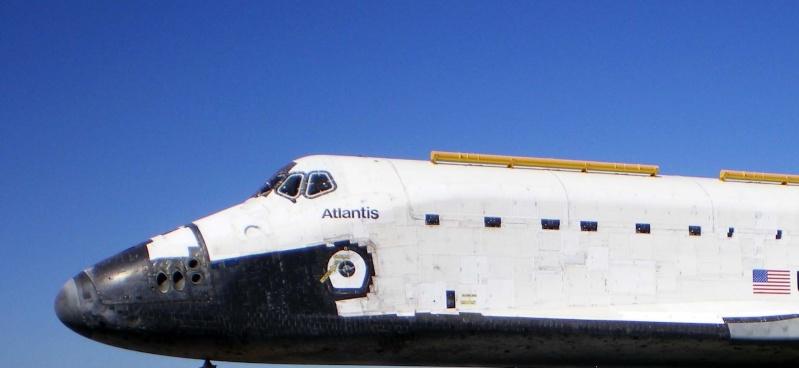 Les navettes spatiales Atlantis et Endeavour au musée 21010