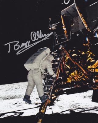 """Enchères : """"Objectif Lune"""" d'Hergé signé par l'équipage d'Apollo 11 ! Apollo28"""