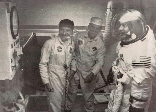 Apollo 17 - La mission - Rares Documents, Photos, et autres ... Apollo36
