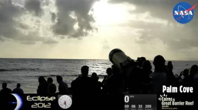 Eclipse totale du Soleil du 14 novembre 2012 (mais le 13 novembre heure de Paris) Captur14
