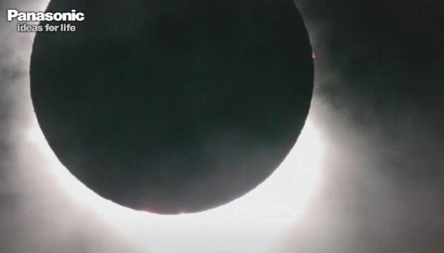 Eclipse totale du Soleil du 14 novembre 2012 (mais le 13 novembre heure de Paris) Captur22