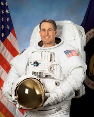 L'astronaute américain Stephen Robinson prend sa retraite Depart10