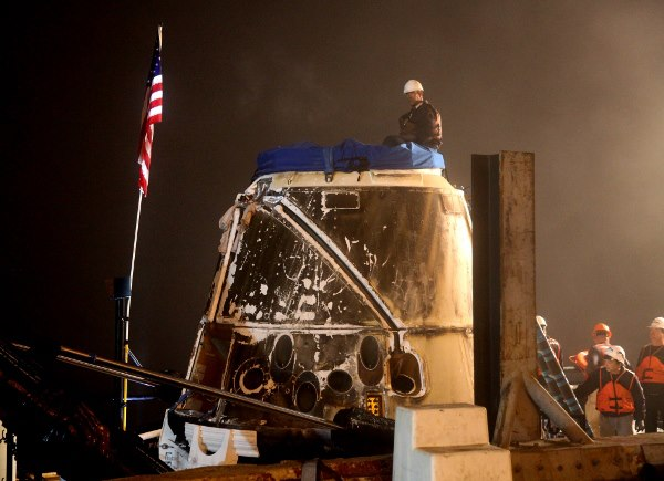 Retour de la capsule Dragon de SpaceX Dragon12