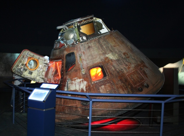 Capsule Apollo 17 America au Space Center de Houston Img_0810