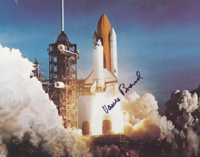 STS-5 Columbia - 11 au 16 novembre 1982 - Première mission navette opérationnelle Sts-5_12