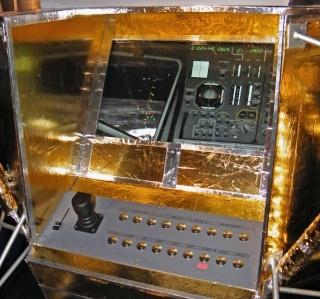 Apollo 17 - Réplique de la combinaison de Gene Cernan Zz_apo11