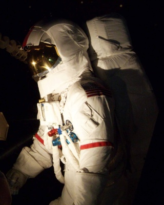 Apollo 17 - Réplique de la combinaison de Gene Cernan Zz_cer12