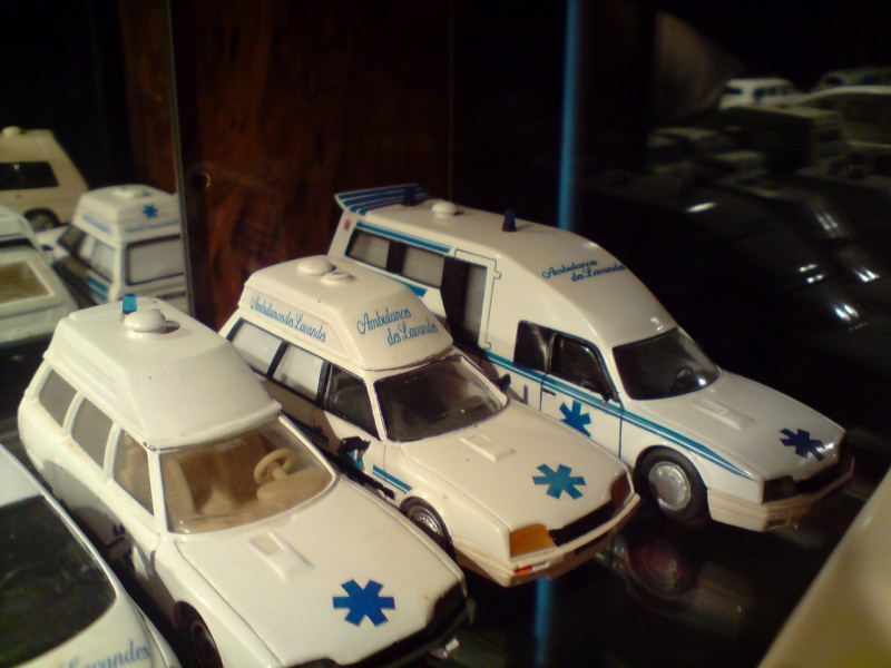 collection ambulance P1402112
