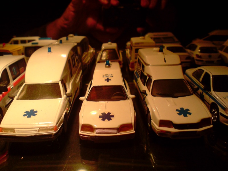 collection ambulance P1402114