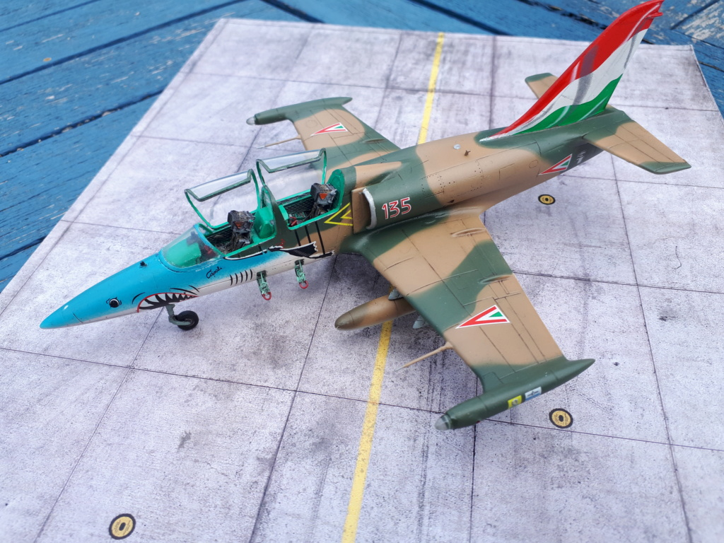 L-39 AlLBATROS Hungarian Sharks [EDUARD] L-39_h41