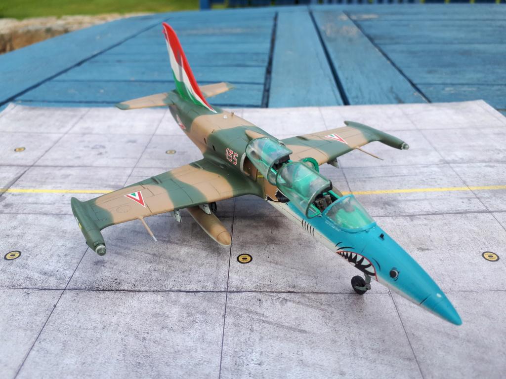 L-39 AlLBATROS Hungarian Sharks [EDUARD] L-39_h43