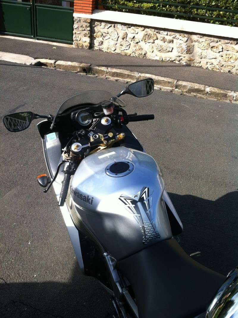 Voici ma mienne!!! ZX6R k4 Img_4711