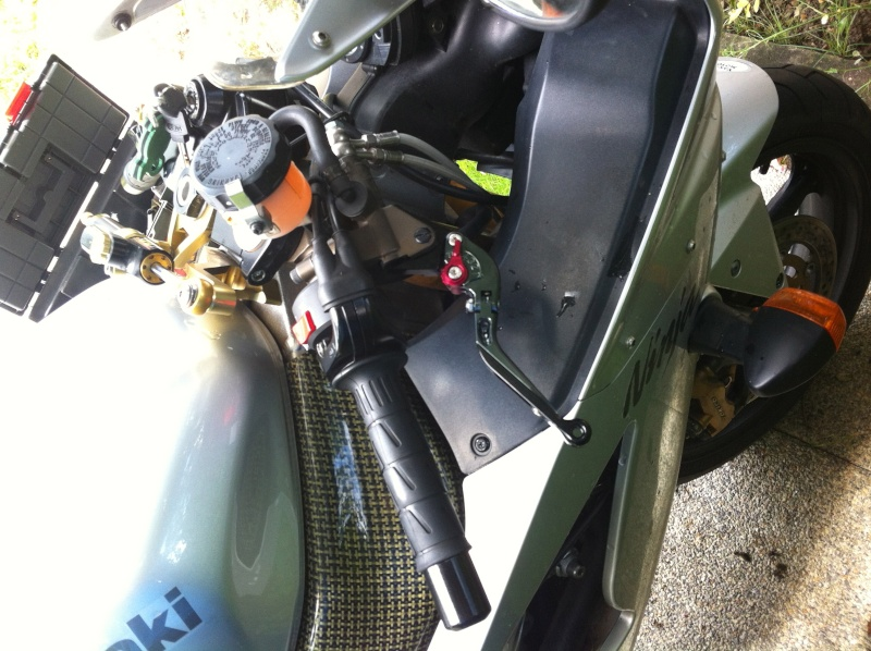 Voici ma mienne!!! ZX6R k4 Img_4714