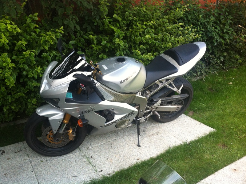 Voici ma mienne!!! ZX6R k4 Img_4719