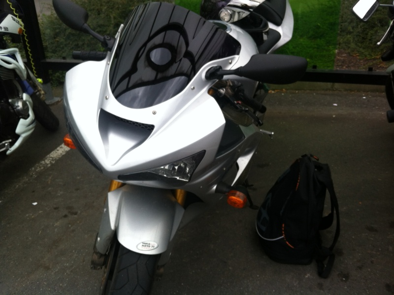 Voici ma mienne!!! ZX6R k4 - Page 2 Img_4720