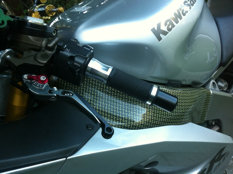 Voici ma mienne!!! ZX6R k4 - Page 2 Img_4725