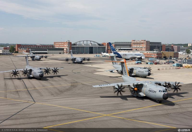 L'A400M dans tous ses états au sol et en vol 49187-12